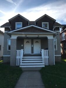 2 BDRM APT $850 PLUS 1 BLOCK FROM RIVERSIDE DR - AVAILABLE NOW