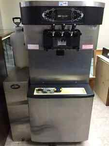 Taylor C712 Soft Serve machine with accessories