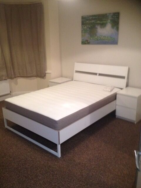Large studio Flat to Rent - All bills included