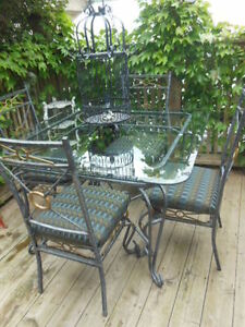 Glass top table and chairs London Ontario image 1