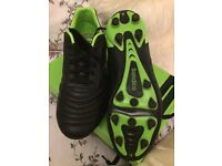 New in box Mens football boots