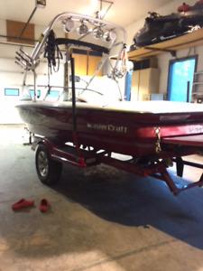 Mastercraft X7 ski/wake boat