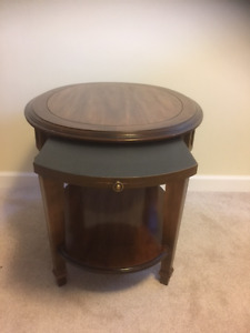 Lovely Wooden Oval End Table with Hidden Slide-Out Drink Holder