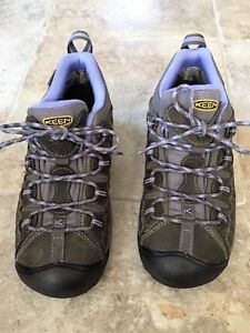 Keen Hiking Shoes - size 8