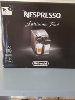 BRAND NEW..  DeLongji COFFEE MACHINE...