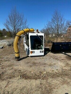 Madvac Litter Vacuum - Street Sweeper- High Dump - Kubota Diesel Low Hours