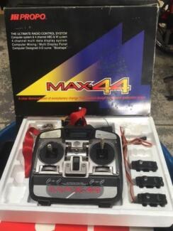 JR Propo Max 44 Remote Control, receiver and servo's