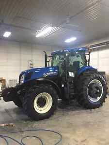 T7 235 NEW HOLLAND