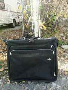 "Atlantic rolling luggage 27"" hi quality excelent condition $10."