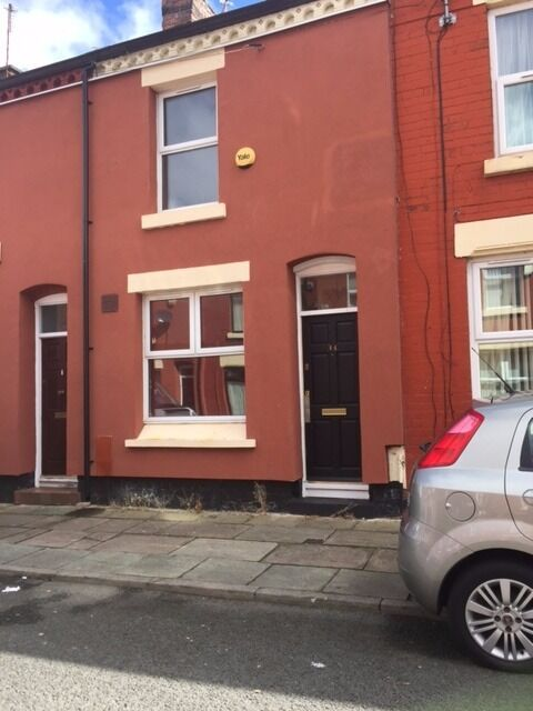 Well present two bedroom mid Terrance property on Greenleaf Street L8,just off Smithdown Road,
