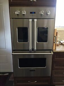 Brigade (Viking) double oven w/french doors Cornwall Ontario image 2