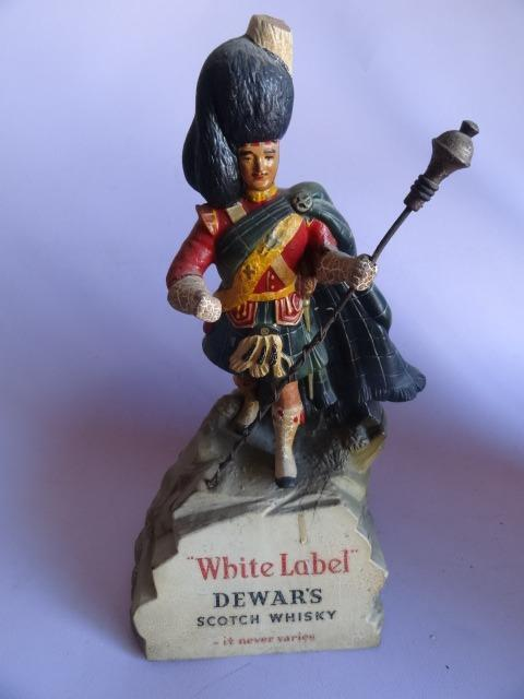 Vintage WHITE LABEL DEWARS SCOTCH WHISKY ADVERTISING FIGURINE RUBBEROID STATUE