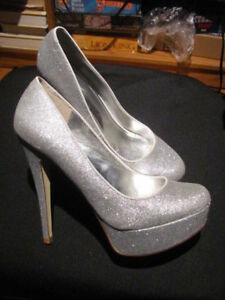 15$ ALDO Souliers Femme Taille 8.5 - Neuf - Womens Shoes