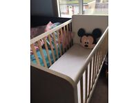 Cot/ bed with memory foam mattress