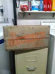 CANADA DRY, wooden bottle box, OLD> London Ontario image 2