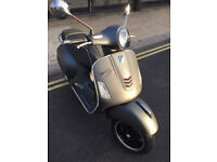 2016 Almost New ABS ASR Piaggio Vespa GTS 125 gts125 Super Sport in Grey great condition