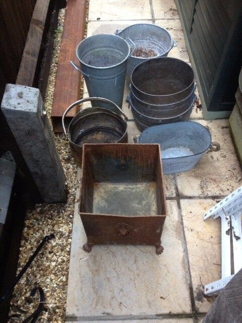 Metal Scuttle / buckets / pots/umbrella stand £5 each