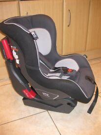 VITO Mamas & Papas car seat 9-18kg with ISOFIX base
