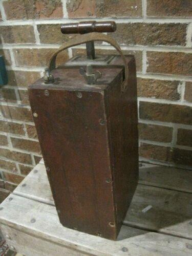 Vintage Lion No 3 Aetna Powder Co. Dynamite Explosives Blasting Machine   B4055