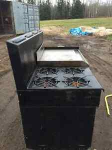 Commercial Garland 4 Burner Gas Range, Flat Top and 2 Gas Ovens