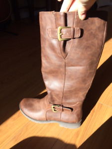 New Brown Boots - Size 6.5