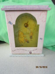 EUC WINNIE THE POOH DISNEY AUTHENTIC BABY CHILDREN'S ADULT DESK CLOCK