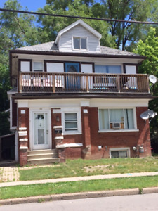 2 BDM + DEN/2 BATH, New Upgrades, Main Apt Duplex, Terrific area
