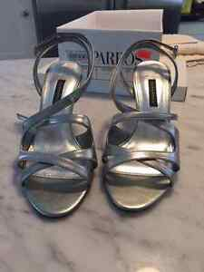 New -- Caparros Silver Sandals -- Size 7