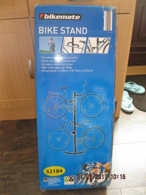 Bike stand for storing bikes in shed or garage