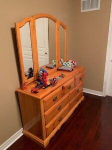 Queen Pine Bedroom Set + Free Delivery