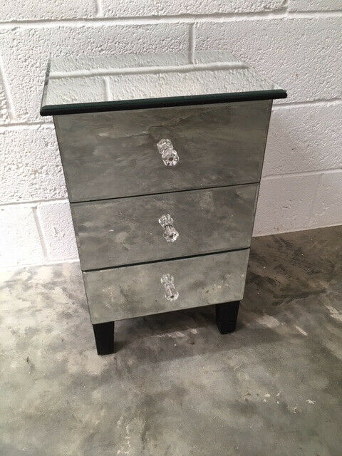 Mirrored Bedside Table With Drawers: Mirrored Three Drawer Bedside Table/storage Unit
