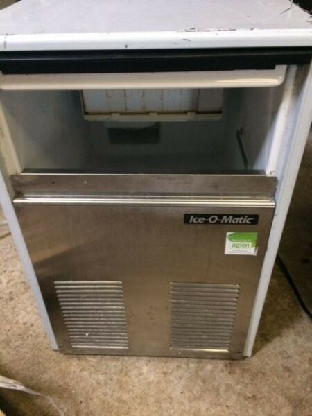 Ice Machine - Used Ice O Matic 60kgs - 20kg Bin -Excellent working Order, Clean and Tidy - Bargain