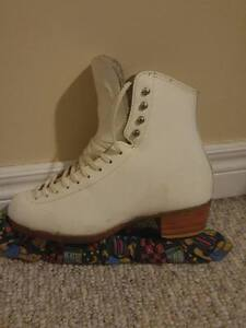 Riedell Figure Skates - Size 7.5/8