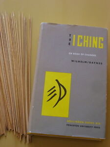 I-Ching Book Of Changes - Hard Cover l975 ' HOW TO LIVE LIFE'