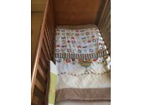 PAPAS AND MAMAS COT IN EXCELLENT CONDITION FOR SALE