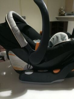 Chicco baby capsule car seat  Hebersham Blacktown Area Preview