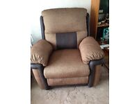 Arm chair with recline legs rest
