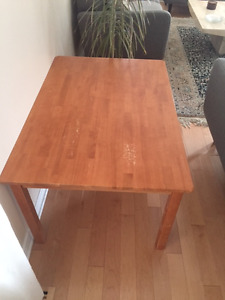 Round  dinning and coffee table