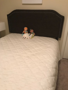 Beautiful Double Bed With Headboard, Bedframe and Boxspring!!!!!