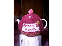 """""""WOMAN'S HOUR"""" TEA COSY - HAND KNITTED - NEW"""