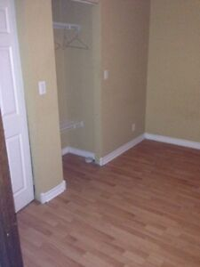3 bedroom APT $950 plus hydro and gas on Caron! FREE WIFI