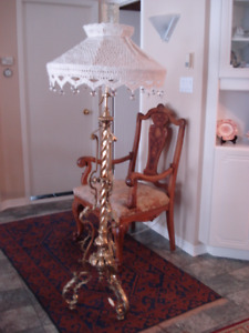 Lampe à pied (Vraiment antique)