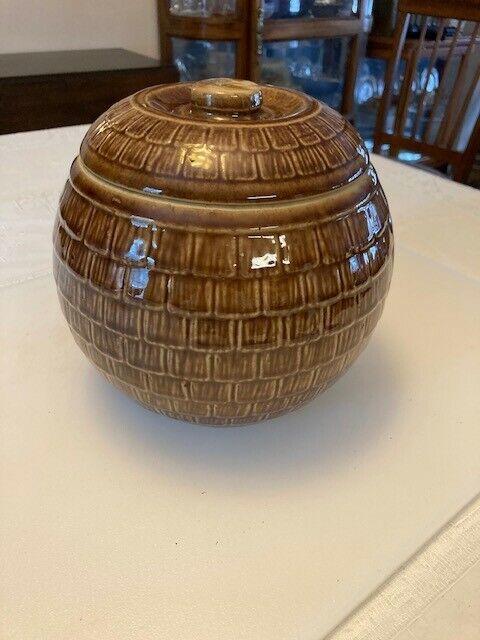 Vintage Ceramic Big Brown Shake Style Cookie Jar Pot.