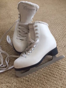 Cameo by Jackson Girls Figure Skates (Youth size 3)