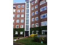 2 bedroom flat in Queens Court, Richmond, TW10 (2 bed)