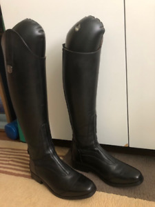 Brand New Mountain Horse Tall Boots