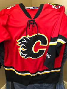 CALGARY FLAMES YOUTH JERSEY