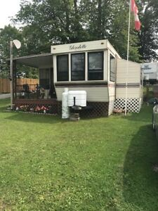 1993 Glendette 32' Park Model Trailer in beautiful condition