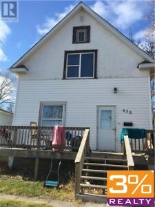C20//Brandon/3 Bedroom 1 3/4 storey house ~ by 3% Realty