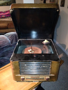 Antique 1940's Admiral Radio Record Player